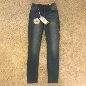 YMI High rise skinny jeans NWT SZ 5
